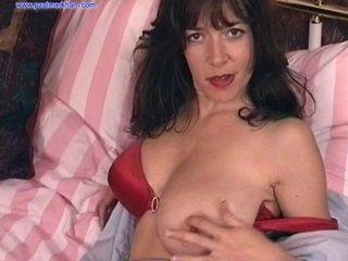 Big Tit Diana Wynn Amateur Home movie