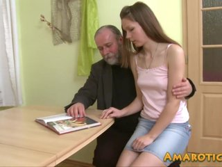 Old man – young girl