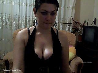 Sexy babe on cam
