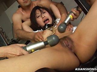 Kana Sato can just scream while cumming like never before