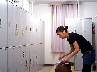 Changing Room – Girl In The Locker Room 005