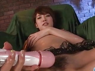 Makoto Yuukia provides superb solo scene – More at javHD.net