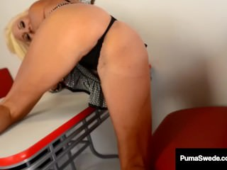 Nymphomaniac Puma Swede Dildo Bangs Her Pussy At A Diner!